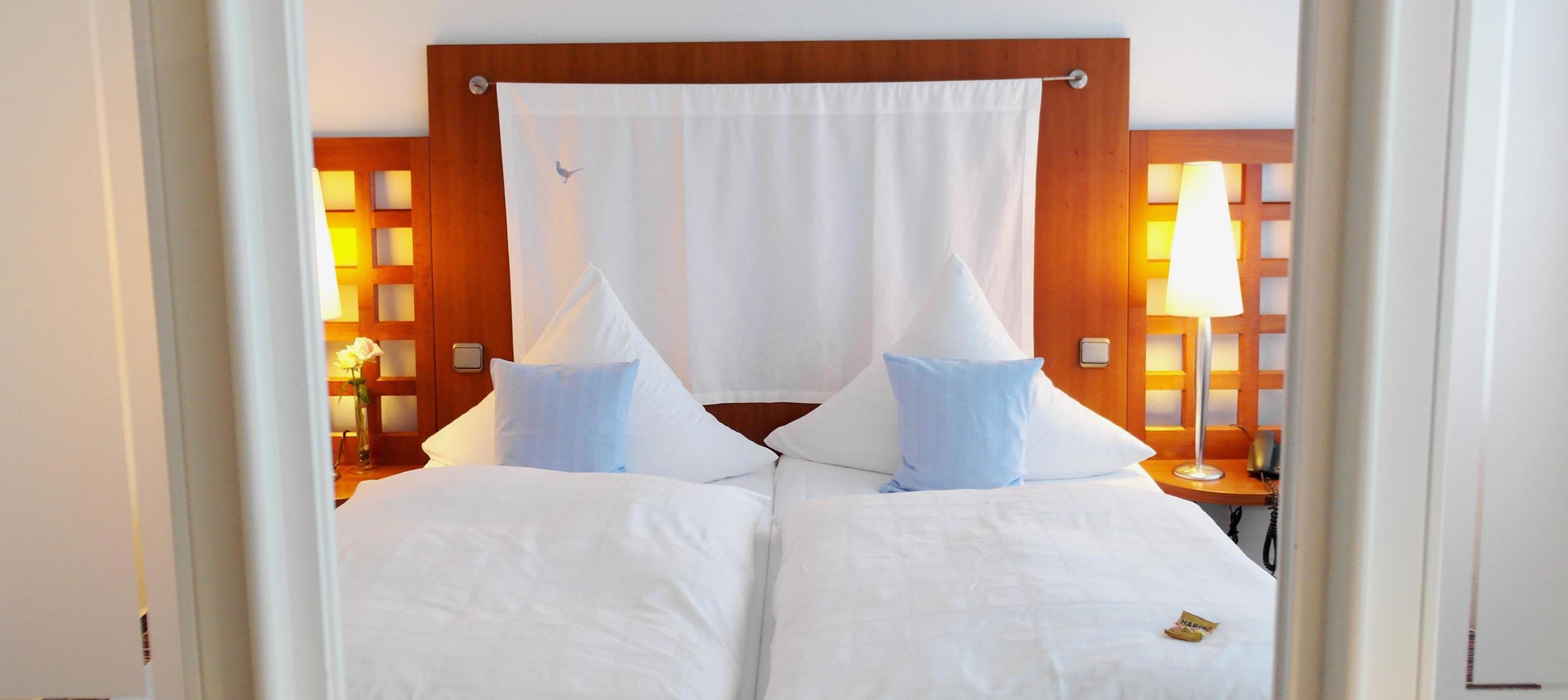 hotel-js-deluxe-n-bett