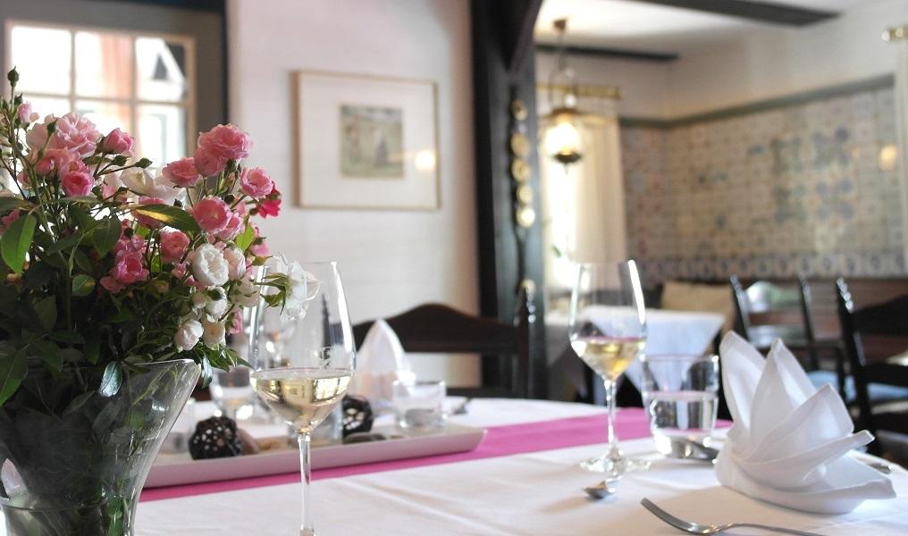 restaurant-kamin-raum-4